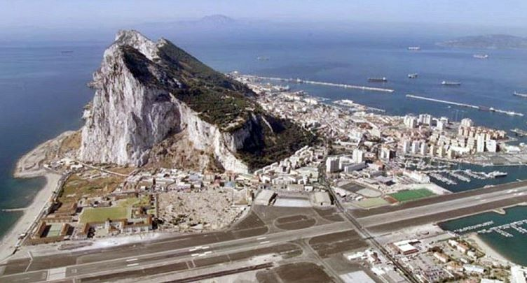 بالصور مطار جبل طارق , احدث صور لاكبر مطار في عالم 10676 8