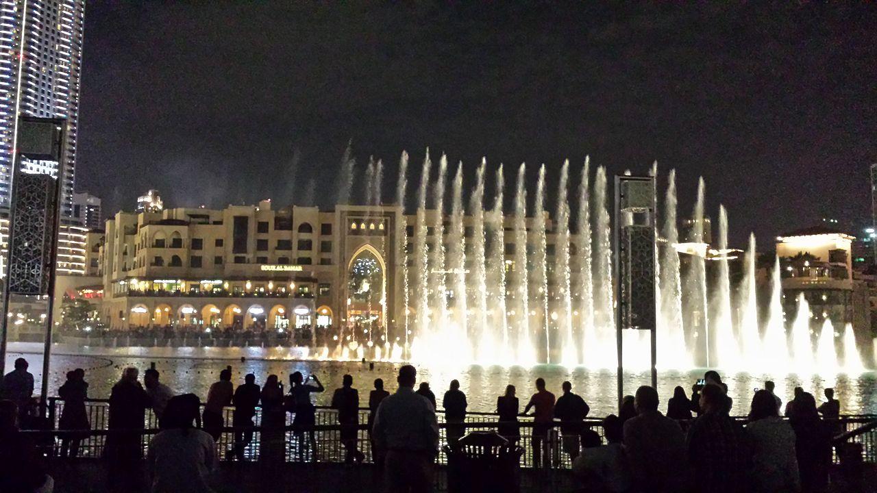 بالصور النافورة الراقصة في دبي , اجمل مناظر وحركات النافورة 10681 10