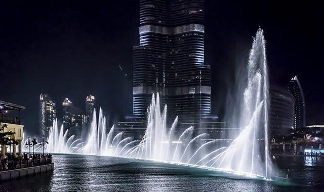 بالصور النافورة الراقصة في دبي , اجمل مناظر وحركات النافورة 10681 6