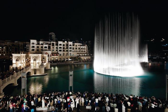 بالصور النافورة الراقصة في دبي , اجمل مناظر وحركات النافورة 10681 9
