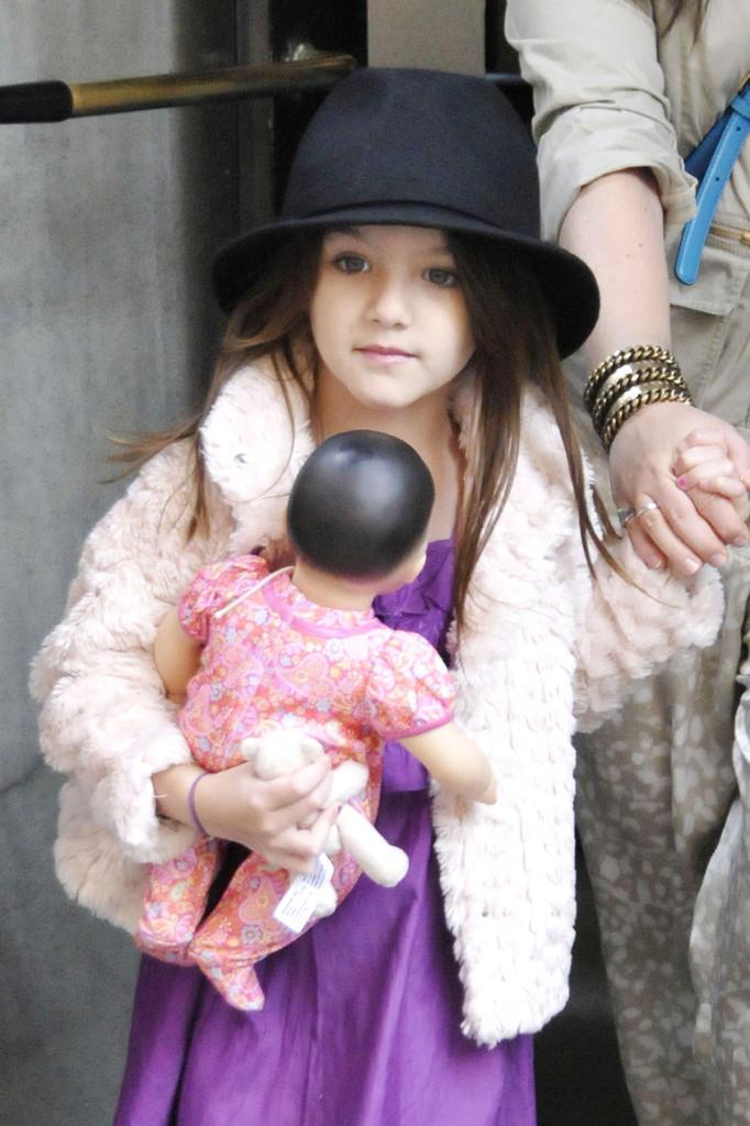 بالصور ابنة توم كروز , سوري كروز باطلالة جديدة 10690 9