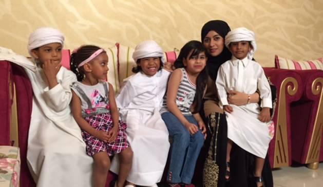 بالصور مما راق لي , صور للمذيعة مشاعل التميمي في برنامجها المجتمعي 10707 7