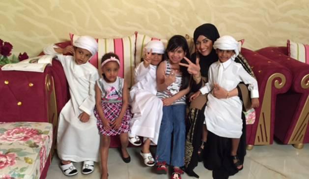 بالصور مما راق لي , صور للمذيعة مشاعل التميمي في برنامجها المجتمعي 10707 9