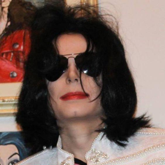 بالصور صور مايكل جاكسون , خلفيات جديدة لمايكل 10747 6
