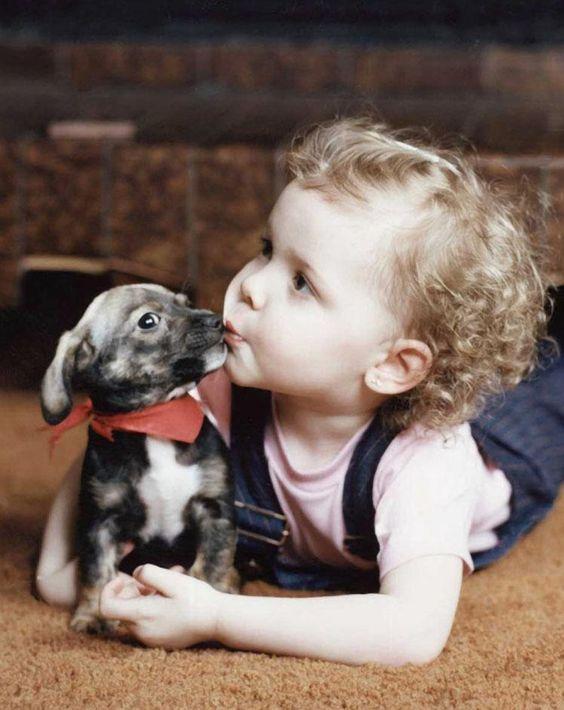 بالصور صور بدون تعليق , اطفال يعشقون الكلاب 10784 5