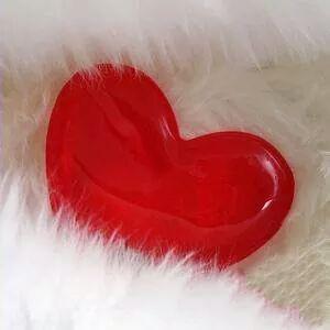 بالصور اجدد صور قلوب , قلب ينبض بالحب والحنين 12292 5