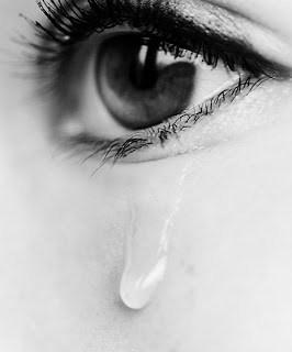 صوره اجمل الصور الحزينه , عبارات مصورة حزينة