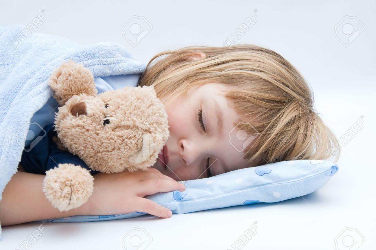 بالصور طريقة تنويم الطفل , الرعاية الكاملة للطفل قبل النوم 635 3