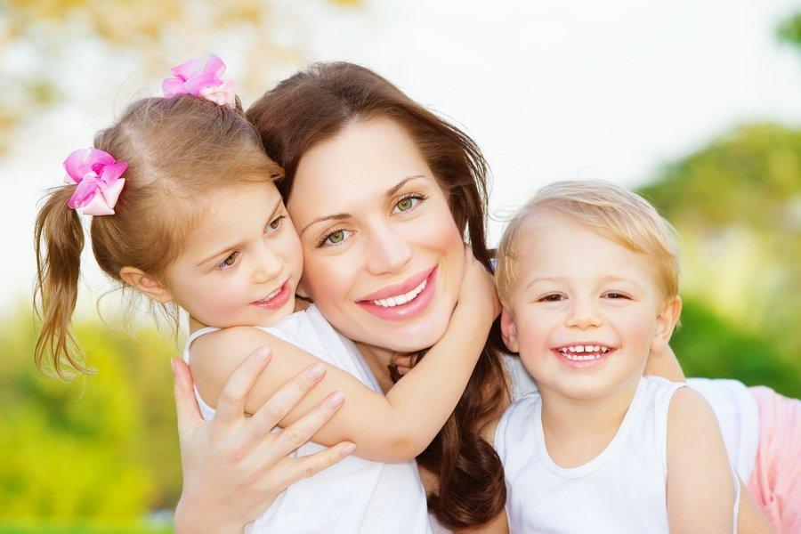 بالصور صور حنان الام , عطف وحنان وحب الامهات 15019 5
