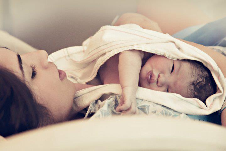 بالصور صور حنان الام , عطف وحنان وحب الامهات 15019 6