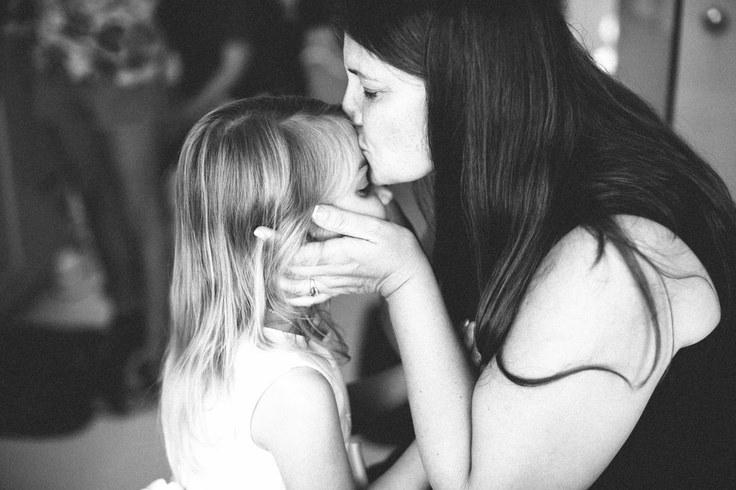 بالصور صور حنان الام , عطف وحنان وحب الامهات 15019 8