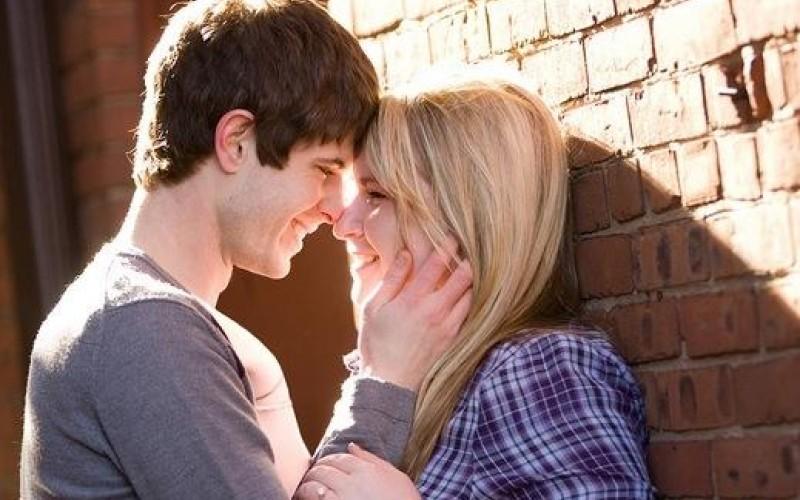 بالصور لقطات رومانسية , لقطة كلها حب واهتمام ورومانسية 15092 7