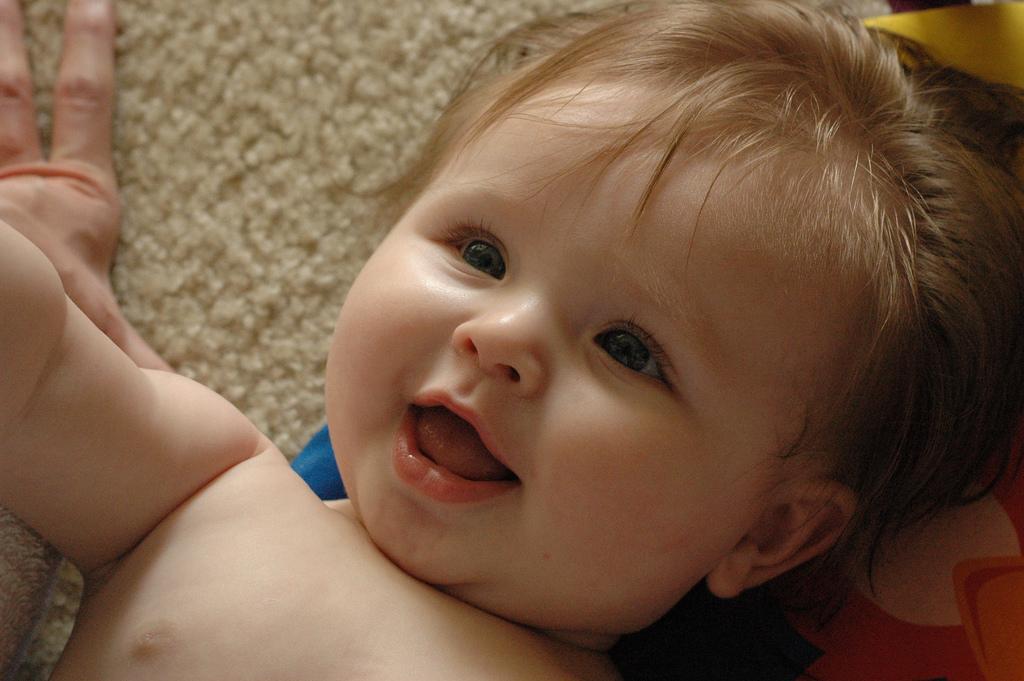 صور صور اطفال مضحكين , النظرة للطفل كالحياة