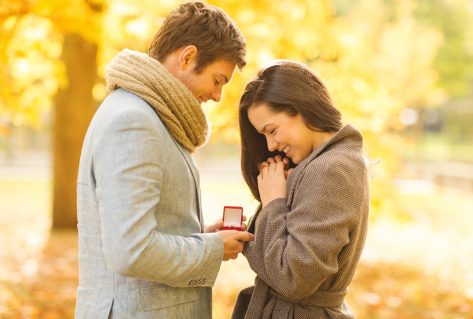 صوره اجمد رومانسية , اجمل صور حب واهتمام الازواج